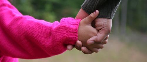 الأمومة والأبوة؛ أقوى من اللقاحات المناعية