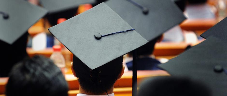 هل ترتبط أورام الدماغ بمستويات التعليم العالية؟