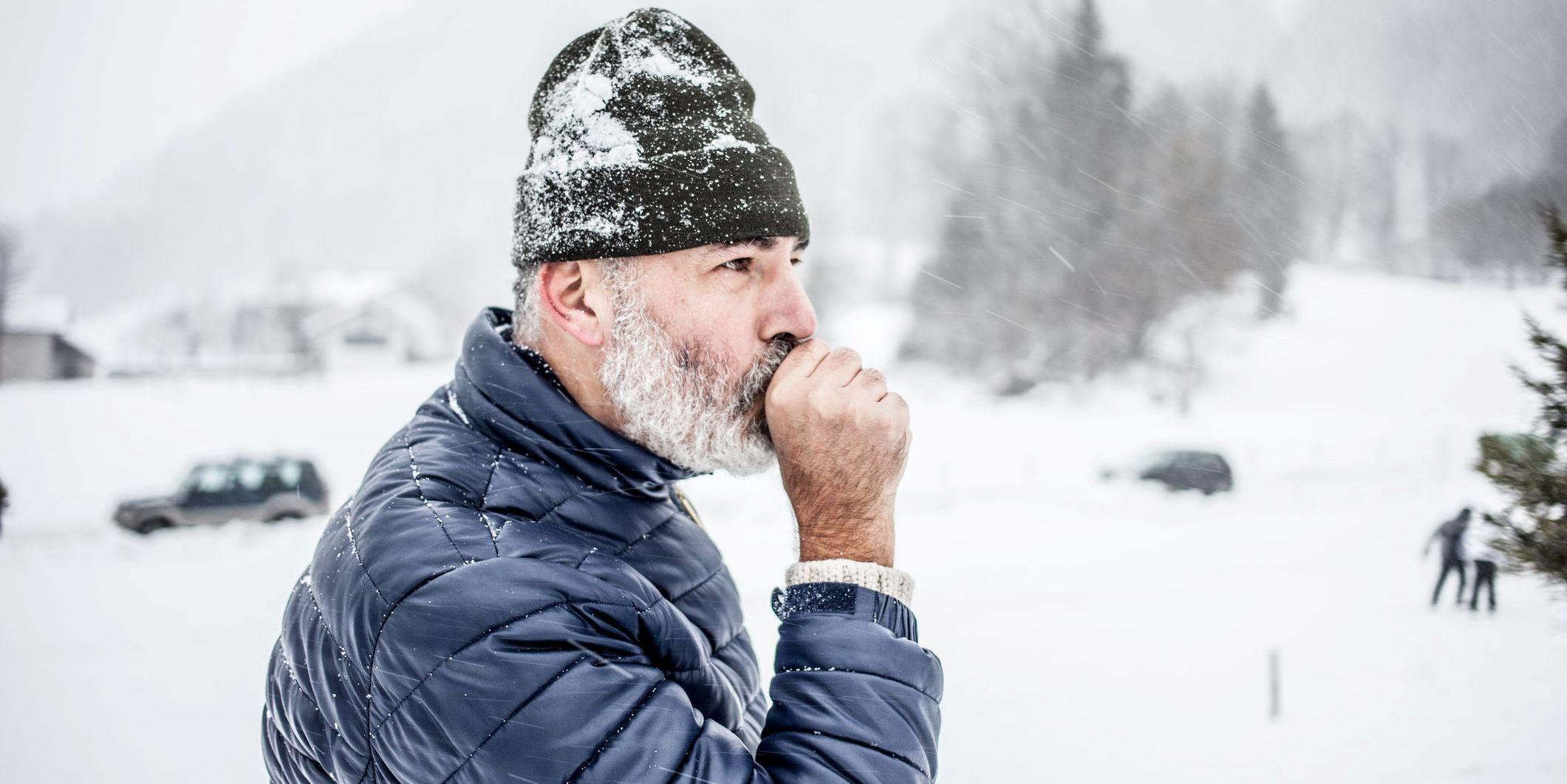 هل هناك ارتباط بين برودة الطقس وخطر الإصابة بالأزمات القلبية؟