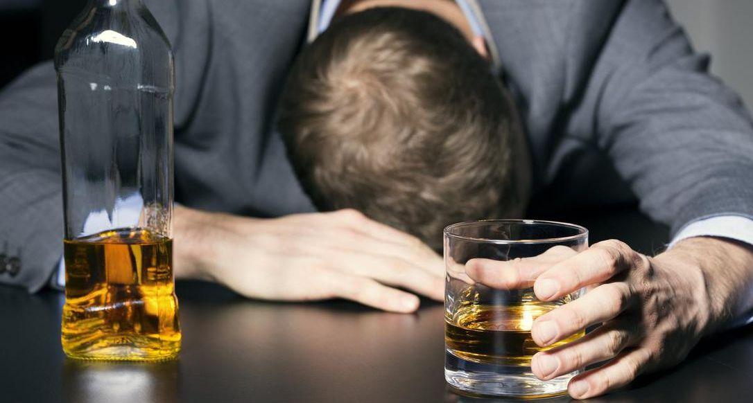 إرشادات جديدة تشير إلى ضرورة أن يسأل الطبيب مريضه عن استهلاك الكحول
