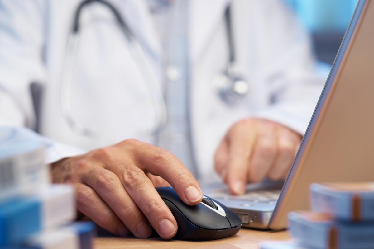 الطبي يطلق خدمة جديدة لحجز مواعيد لدى الأطباء وإدارة العيادات في الأردن ومصر