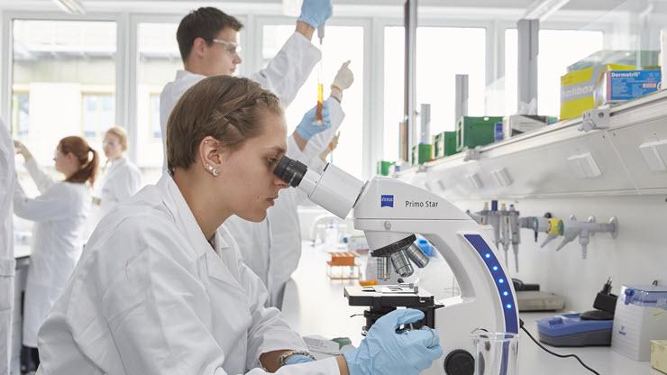 جهاز جديد لتشخيص الإصابة بالسرطان بنقطة دم واحدة