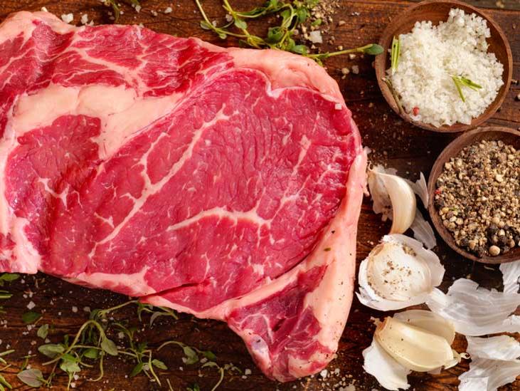 تناول البروتين النباتي بدل اللحوم الحمراء يقلل خطر الإصابة بأمراض القلب
