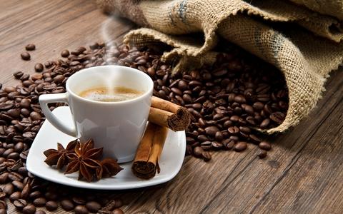 تناول  4 أكواب من القهوة يحمي القلب