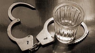 أضرار الكحول على الجهاز الهضمي