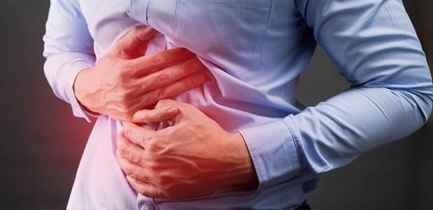 أسباب ألم المعدة المفاجئ