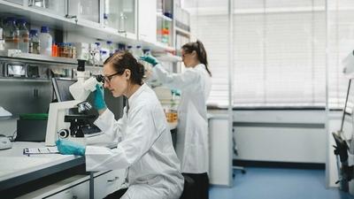 العلماء يحاولون الحد من تلف الكبد الناجم عن أدوية مرض التصلب العصبي المتعدد