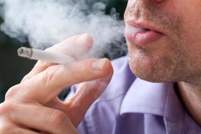 التدخين وهشاشة العظام