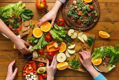 المشاكل الصحية التي تواجه النباتيين وحلولها