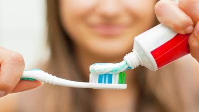 معجون اسنان