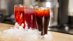مأكولات ومشروبات شائعة في رمضان انفوجرافيك