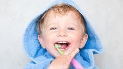 كيف نحمي أسنان أطفالنا؟