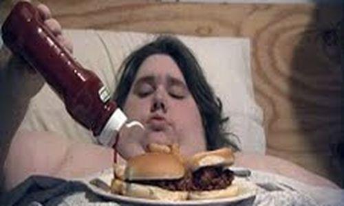 عند المراهقين غالبا ما تجتمع اضطرابات الأكل مع مشاكل عقلية أخرى