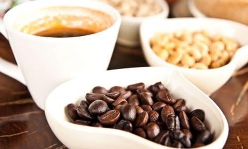 هل شرب القهوة بنكهة تؤدي إلى تفاقم الحساسية الموسمية ؟