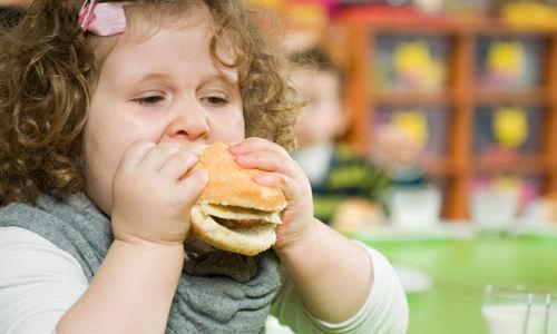 قلل من كمية الدهون التي يتناولها أطفالك