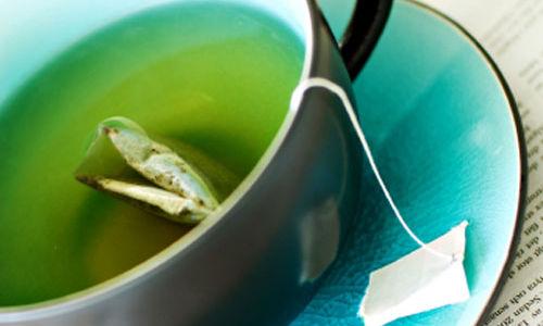 الشاي الأخضر يخفض نسبة الكوليسترول في الدم ولكن بنسبة قليلة