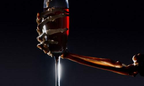 شرب الكحول يؤثر سلبا على الجسم