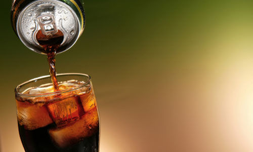 دراسة  تبين أن شرب الصودا قد يسبب العنف لدى المراهقين