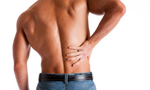 اليوغا وشد عضلات الظهر تساعد في تخفيف آلام الظهر المزمنة