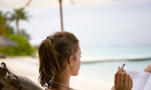 التدخين يزيد احتمالية الإصابة بسرطان الجلد لدى النساء