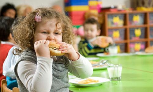تقديم وجبات الإفطار المجانية في المدارس قد تؤدي إلى السمنة