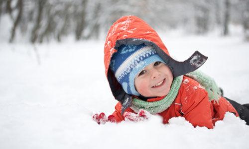 نصائح للحفاظ على دفء الاطفال في الطقس البارد