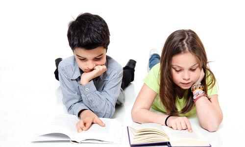 التمكن من الكشف مبكرا عن مشاكل القراءة لدى الطفل