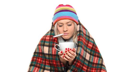 أربع علاجات طبيعية لنزلات البرد والأنفلونزا