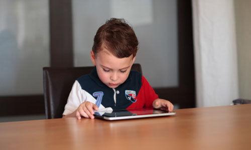 الصدمات النفسية العاطفية قد تؤذي تعليم الأطفال في مراحل لاحقة