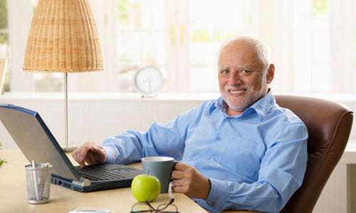 التمارين الرياضية مع استخدام الحاسوب قد يعززان وظيفة الدماغ لدى كبار السن
