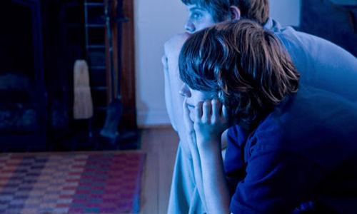 مُشاهدة التلفاز المُفرطة وزيادة مُحيط خصر الأطفال