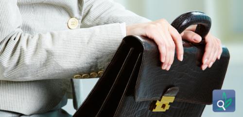 20% من حقائب اليد تحمل بكتيريا اكثر من دورات المياه