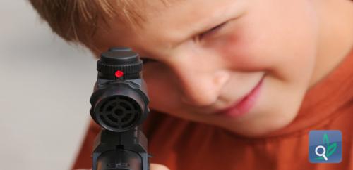الليزر المستخدم في ألعاب الأطفال قد يكون خطيراً