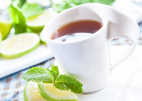 المشروبات الدافئة في فصل الصيف خيار ذكي