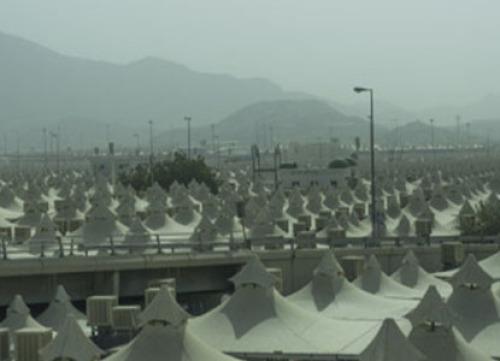 السعودية تطلب من المعتمرين والحجاج استخدام الأقنعة هذا العام