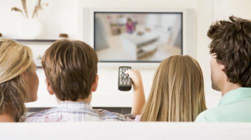 مشاهدة التلفاز طويلاً تزيد من احتمالية الإصابة بأمراض القلب و الأوعية الدموية و الموت المبكر