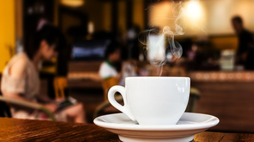 ماذا تفعل أربعة فناجين من القهوة يومياً؟