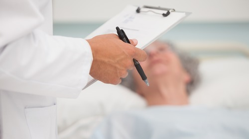 ما تأثير أدوية حرقة المعدة على الكلى لفئة كبار السن؟