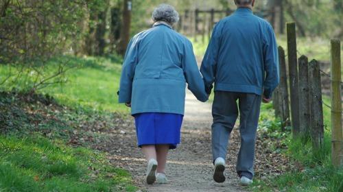 ما هي فوائد المشي يومياً؟
