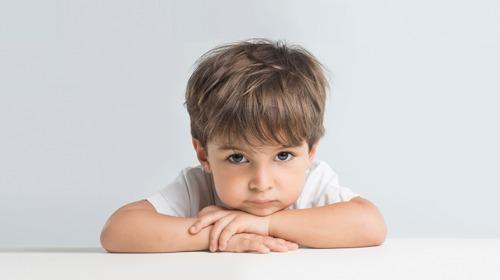 حالات نفسية متعددة يمر بها الأطفال..كيف نتعامل معها؟