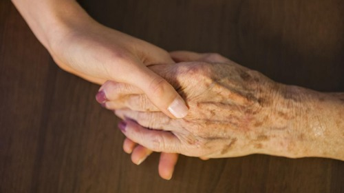 لماذا يعيش بعض الناس حتى عمر المئة؟