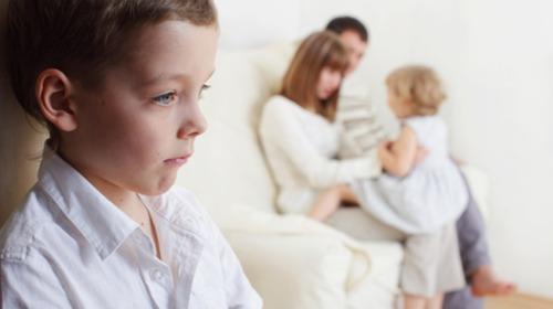 فارق أقل من سنة بين ولادتين يزيد من خطر التوحد للطفل الثاني