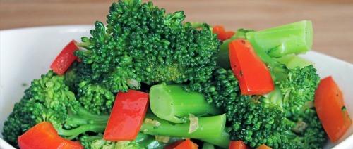 ما هي الخضروات التي تحمي من سرطان التجويف الفموي؟