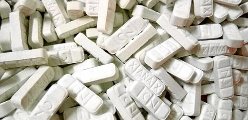 أطفال لم يتجاوزوا 11 سنة يتناولون أدوية القلق