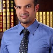 الدكتور خالد قريَب