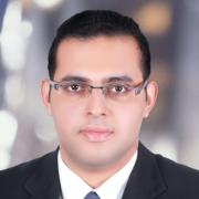 الصيدلاني احمد نبيل متولى