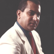 الدكتور عبد الكريم أبو رمضان