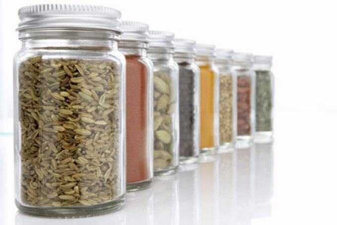 العلاج بالنباتات الطبية ومحاذيرها