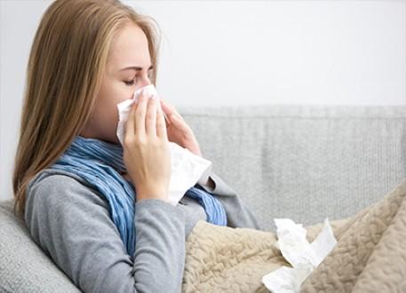 عشر طرق لعلاج الانفلونزا في المنزل