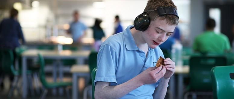 مرض التوحد وارتباطه بمشاكل متعلقة بالطعام